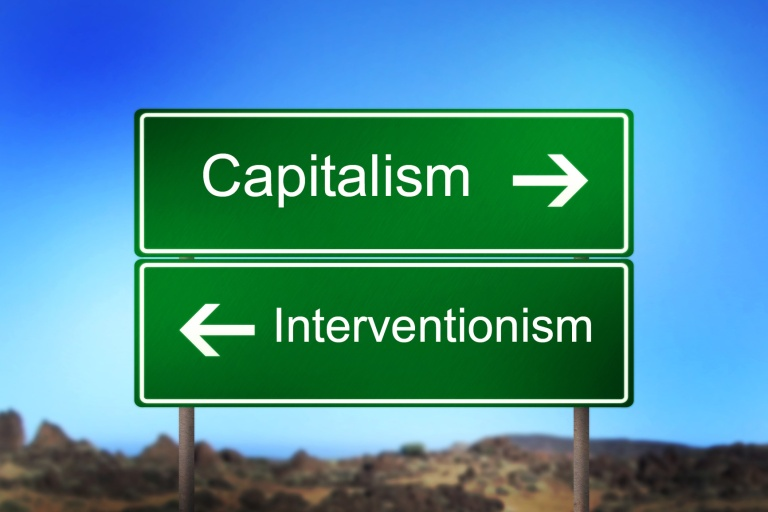 Capitalism_interventionism_signpost
